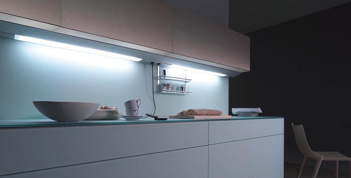 stunning unterbauleuchte k che mit steckdose gallery home design ideas. Black Bedroom Furniture Sets. Home Design Ideas